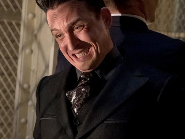 Gotham : Votre avis sur l'épisode 'Penguin, Our Hero' [5×03] + le teaser du prochain épisode !