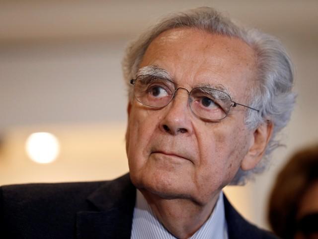 """Réforme des retraites : quand Bernard Pivot ironise sur """"l'âge pivot"""" à 64 ans"""