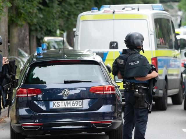 Un quartier bouclé à Francfort, où des coups de feu ont été entendus: un suspect décédé et un policier blessé