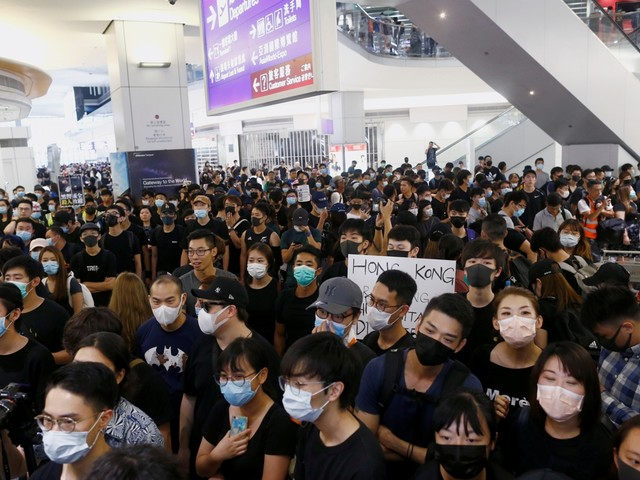 Trump zegt dat China troepen stuurt naar grens met Hongkong