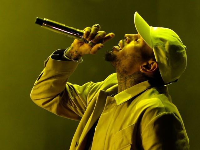 Rapper Chris Brown opnieuw op vrije voeten in Parijs