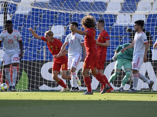 Moedige Belgische beloften gaan in slotfase kopje-onder tegen Spanje en zijn uitgeschakeld op het EK U21