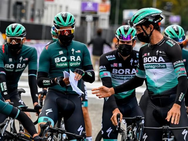 """Renners BORA-hansgrohe op training aangereden door wagen: """"Drie renners naar het ziekenhuis gebracht"""""""