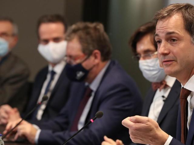 Gestion de la crise sanitaire: le gouvernement commet-il une «erreur de calcul»?