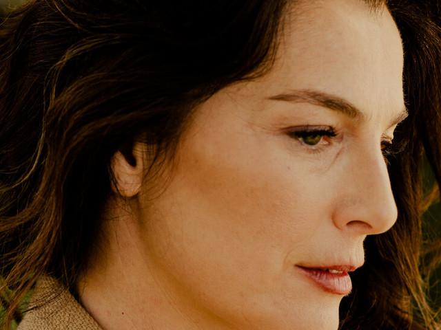 In 'Losing Alice,' Ayelet Zurer Burns It All Down