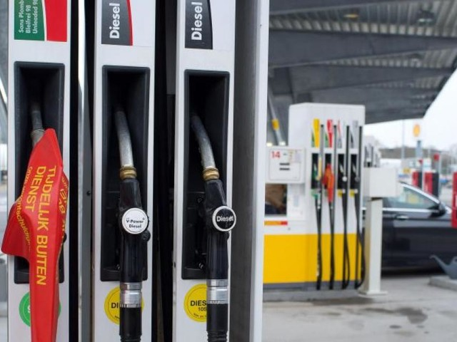 Pénurie d'essence au Royaume-Uni: le gouvernement appelle l'armée à se tenir prête