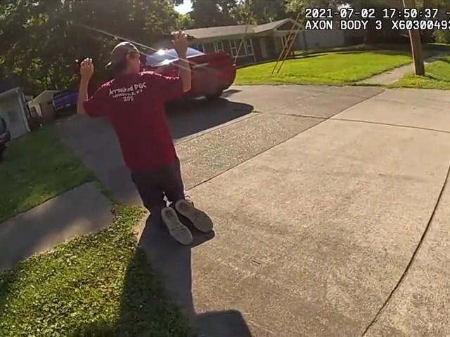 Bodycam filmt hoe politie ontvoering van meisje verijdelt