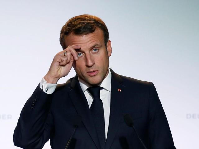 Brexit: Macron salue une bonne nouvelle, appelle à la prudence