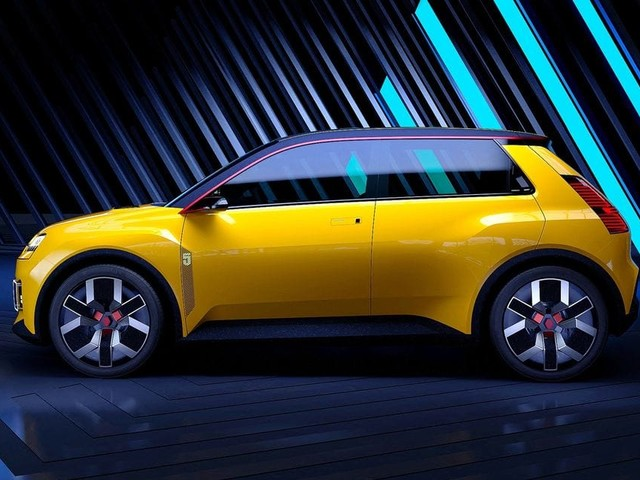 Renault ressuscite la R5 et mise sur l'électrique pour sortir de la crise