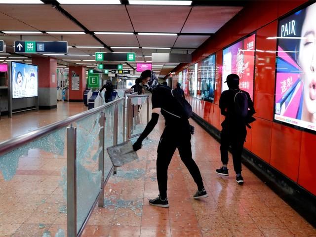 Openbaar vervoer in Hongkong stilgelegd na opstootjes