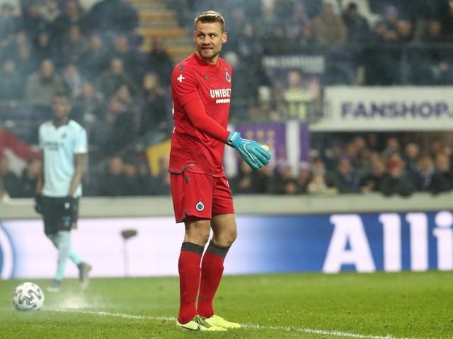Anderlecht moet eenmalig deel van thuistribune sluiten en 5.000 euro boete betalen wegens voetzoeker Mignolet