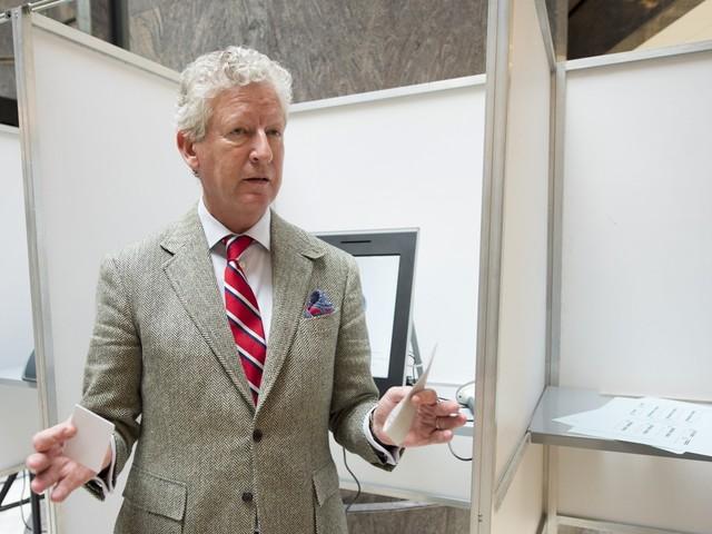 Einde van zijn nationale politieke carrière? Pieter De Crem legt geen eed als Kamerlid