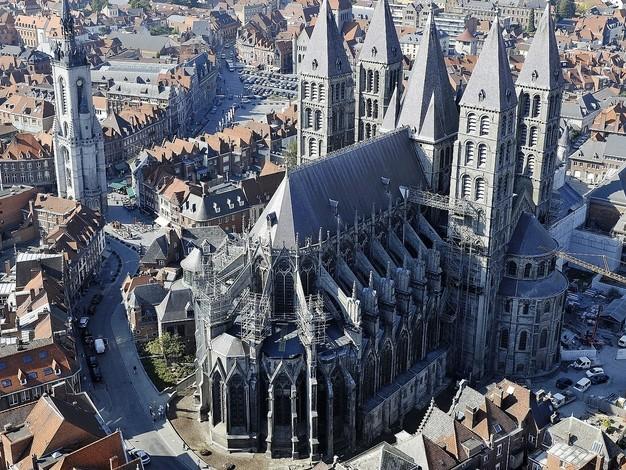 Cent millions pour cinq clochers: les montants en jeu pour assurer les édifices religieux sont colossaux