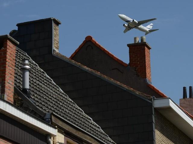 Survol de Bruxelles: la N-VA menace de renégocier le financement de la région bruxelloise