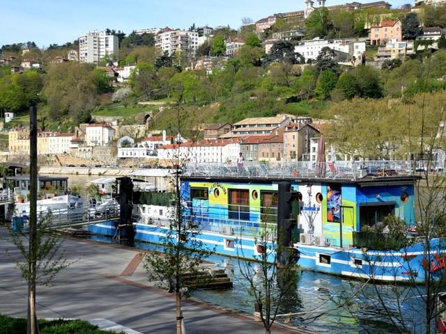 Dormir sur une péniche à Lyon : ma sélection des meilleurs endroits !