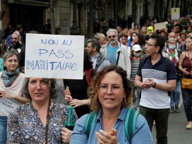 Covid-19: les opposants au pass sanitaire à nouveau dans la rue