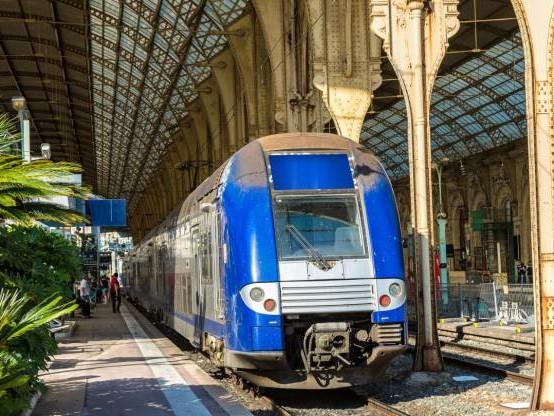 Loi climat : le Sénat vote une TVA à 5,5% pour les billets de train