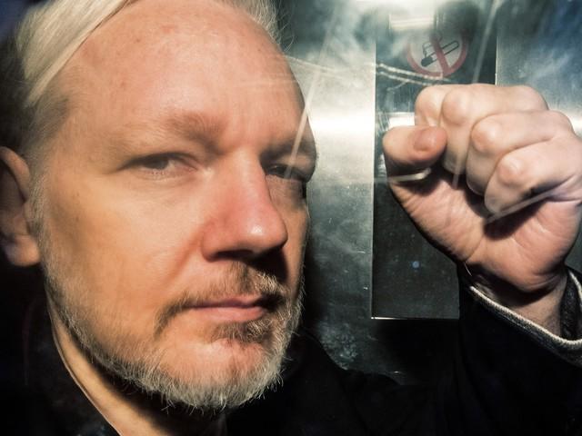 Julian Assange : l'examen de sa demande d'extradition suspendu jusqu'au 18 mai