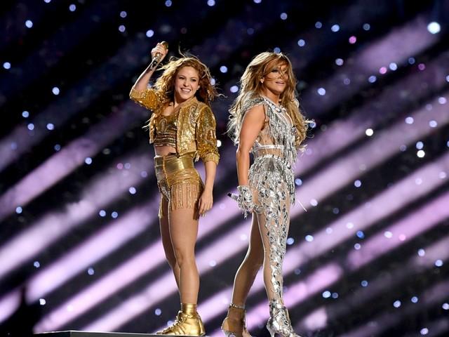 1.312 klachten over Super Bowl-show van Shakira en J. Lo: 'Dit was softporno'