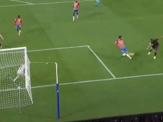Eden Hazard une nouvelle fois décisif avec le Real Madrid après sa montée au jeu (vidéo)