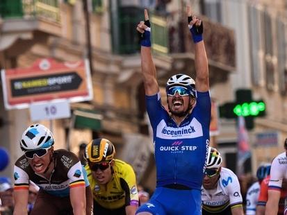 Julian Alaphilippe s'offre Milan-Sanremo dans un sprint royal, Naesen deuxième