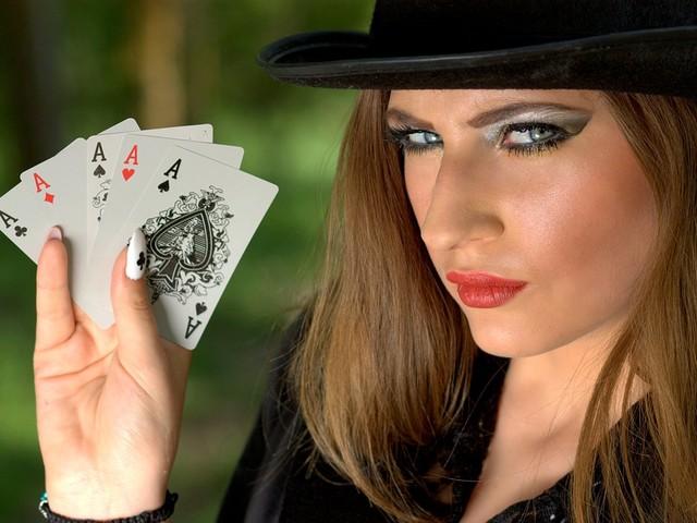 Les femmes au poker, à l'honneur dans un reportage filmé au tournoi de poker de Nouméa