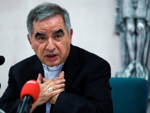 Le cardinal Becciu, démis de sa fonction au Vatican, dément toute malversation