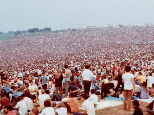 'Woodstock' (Canvas): 'Geen enkele generatie heeft sindsdien zoveel goeds gezaaid'