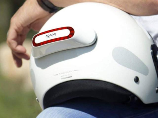 Pensez à votre sécurité : cet appareil se fixant sur votre casque alerte vos proches en cas de chute