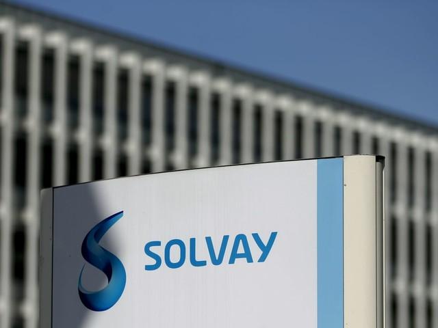 Solvay va supprimer 500 emplois d'ici 2022, un 4e trimestre moins pire que prévu