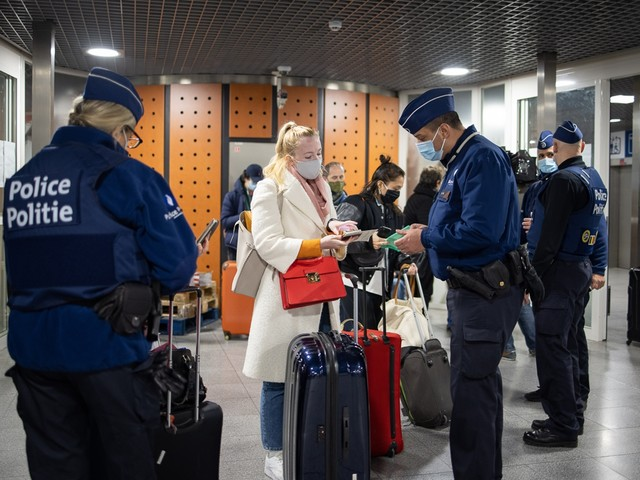 Ministers bespreken maandag strengere regels voor reizen
