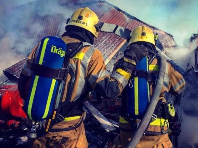 Les pompiers se battent contre un incendie à Léglise: des images impressionnantes