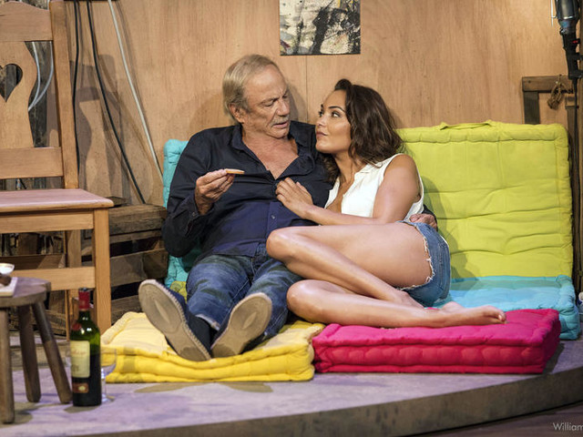 Inédite en clair, la pièce Tant qu'il y a de l'amour diffusée ce samedi soir sur C8.