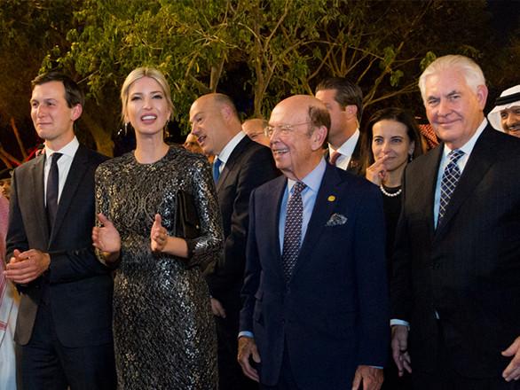 L'idylle insolite de Donald Trump, artisan du «Muslim Ban» avec la dynastie wahhabite. Par René Naba