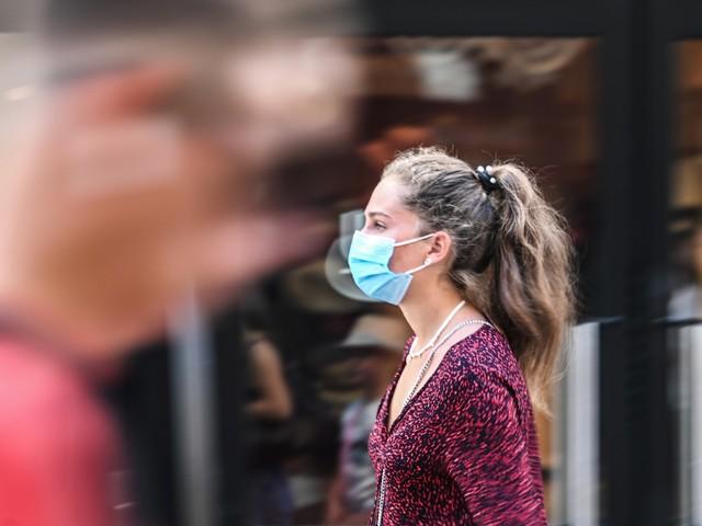 Coronavirus : le masque obligatoire au travail est-il la prochaine étape ?