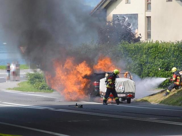 Une famille belge échappe de peu au drame sur la route des vacances: les quatre occupants ont pu quitter leur véhicule de justesse (photo)