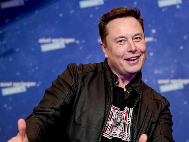 Elon Musk: Memelord or Meme Lifter?