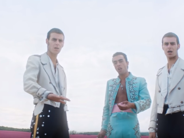 """Le trio FAIR au top dans le clip de """"Se la pasa bien"""""""