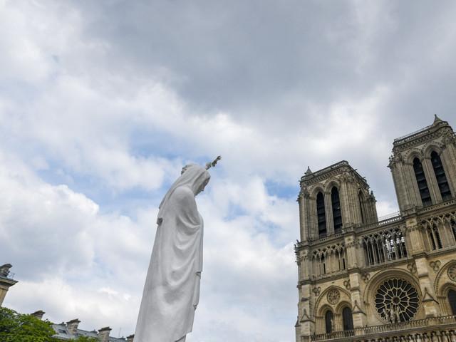 """Notre-Dame : """"On aurait tous à grandir, à savoir ce qu'il s'est passé"""", juge une architecte"""