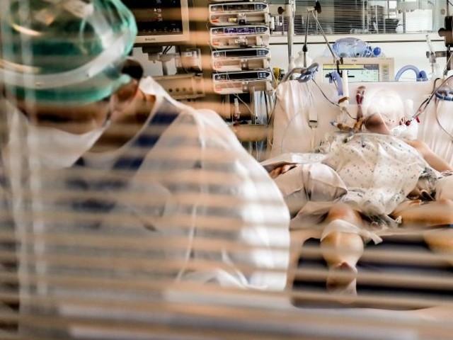 Coronavirus en France: moins de 1.500 patients en réanimation, un plus bas depuis la mi-octobre