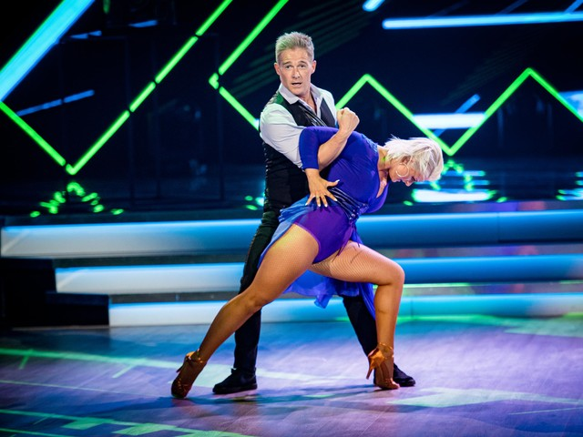 Dansen, zingen en een cruise: Christoff draait overuren