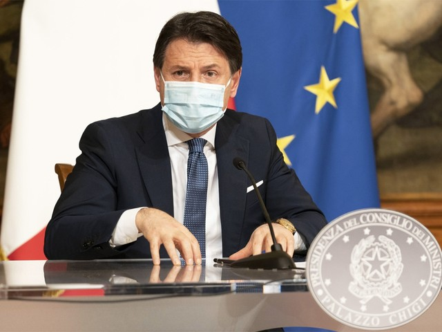 """Italië legt strenge lockdown op voor feestdagen: """"Het virus laat zich niet verslaan"""""""
