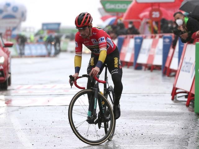"""Regenjack bracht Roglic in de problemen in de Vuelta: """"De show gaat verder"""""""