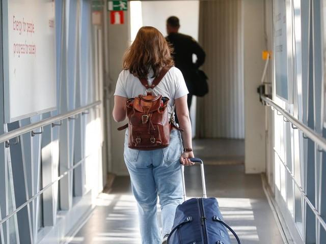 Coronavirus: la Belgique répond à la Commission et justifie son interdiction des voyages non essentiels