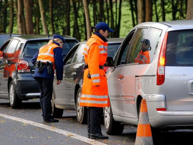 Oubli de traduction du néerlandais au français : une automobiliste droguée de retour d'une rave party acquittée !