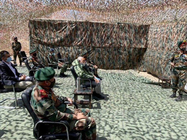 Inde: Modi en visite dans la région disputée du Ladakh