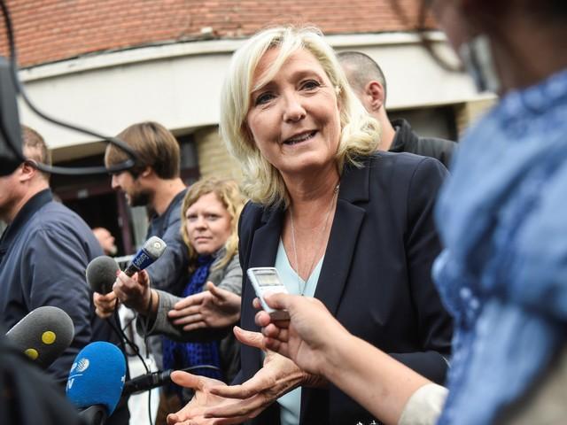 """Marine Le Pen : """"La France n'est pas une terre d'asile psychiatrique"""""""