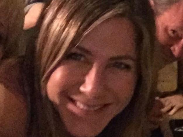 """Jennifer Aniston, après le report de la réunion du casting : """"Vous ne serez jamais débarrassés de 'Friends', désolée"""""""