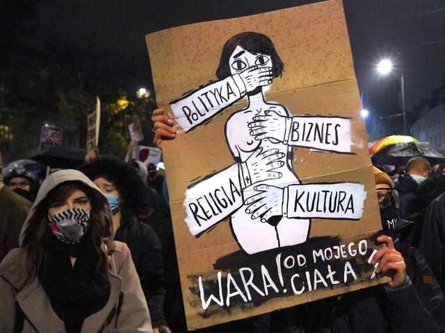 Tienduizenden Polen komen op straat tegen verbod op abortus