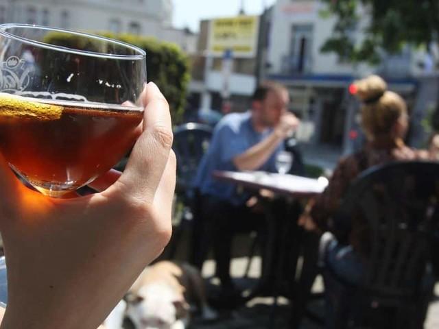 Voici comment profiter d'une bière gratuite pour fêter la réouverture des terrasses ce samedi